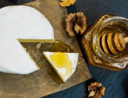 Queso con miel: una combinación a la que pocos se resisten